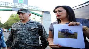 El capitán, Santos Orellana y su esposa Jennifer Bonilla, anunciaron que pedirán la protección del Comité de Familiares de Deetnidos-Desaparecidos de Honduras (Cofadeh) porque no creen en las instituciones del Estado.