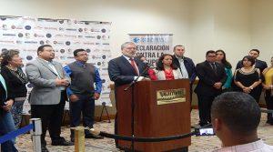 El presidente de Transparencia Internacional compareció ante los medios de comunicación de Honduras.