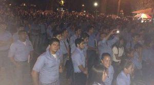 Ante el ataque de los guardias los estudiantes cantaron el himno nacional por espacio de una hora