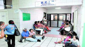 Los derechohabientes del Seguro Social se sintieron incómodos ante la presencia de Ricardo Rodríguez.