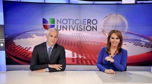 Los rostros emblemáticos de Univision son los periodistas mexicanos, Jorge Ramos y María Elena Salinas.