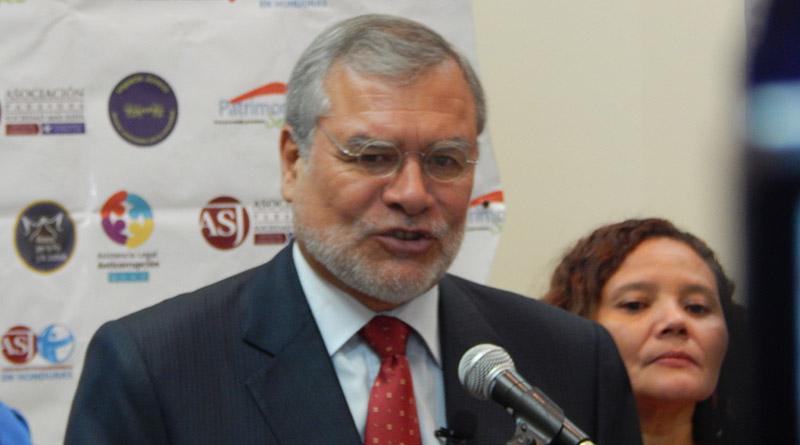 El mundo tiene los ojos sobre Honduras: Presidente de Transparencia  Internacional