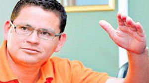La junta del comisión del Congreso Nacional recomienda despojar de uno de los dos sombreros a Marlon Escoto