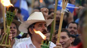 Zelaya Rosales ha sido acusado  por sus adversarios de haber negociado la reelección con el presidente, Juan Hernández.