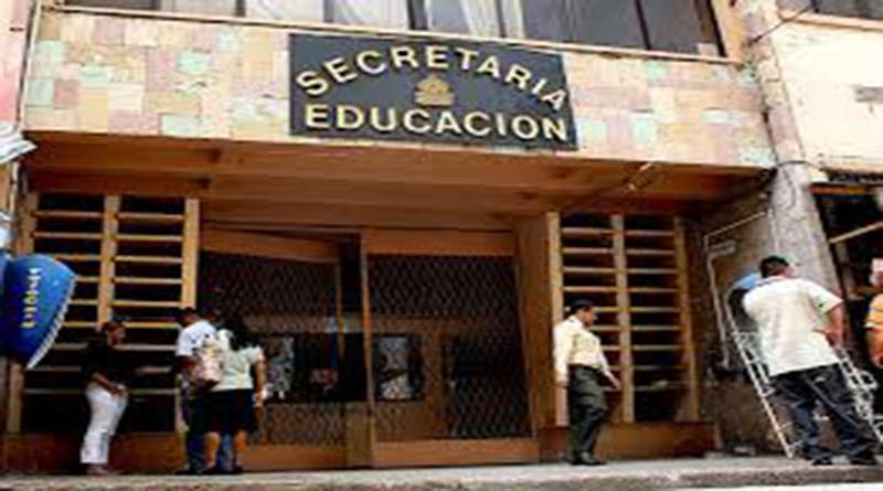 En Secretaría de Educación cobran «coimas» por otorgar aumentos a maestros