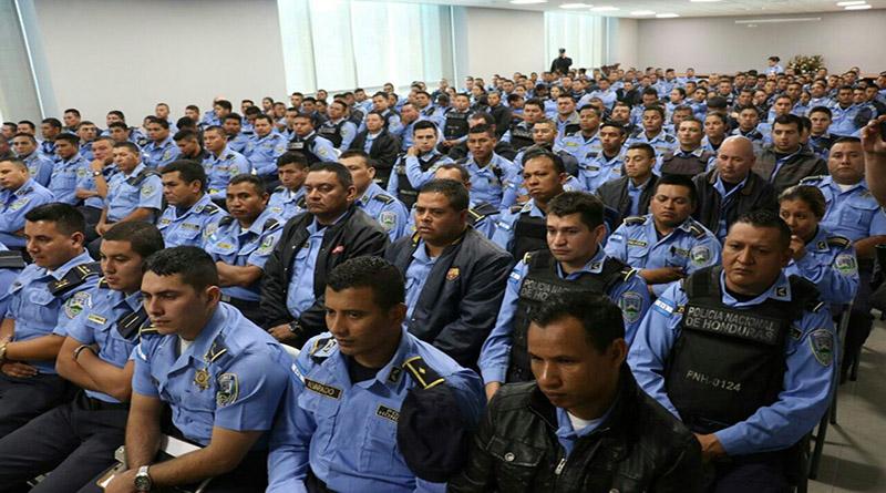 Comisión Depuradora analiza 291 policías para ascenso