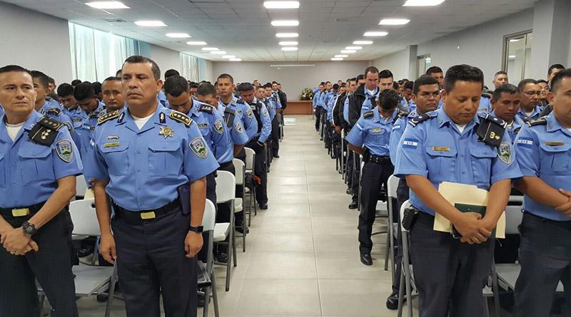 171 oficiales de policía son evaluados para ascender