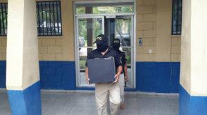 El operativo de la ATIC se verificó en las oficinas centrales de la secretaría de Seguridad en El Ocotal Francisco Morazán.