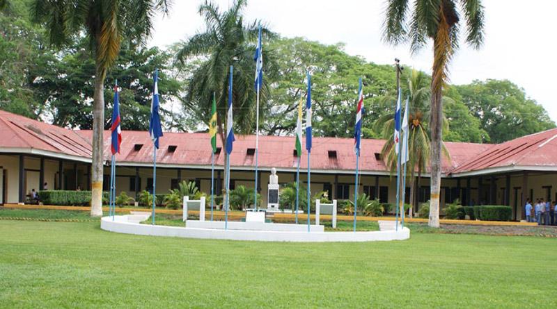 Autoridades de la UNA soslayan problemática denunciada por comisión parlamentaria