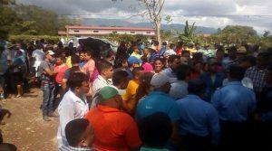 """Loas empleados chantajeados por Escoto pretendieron ingresar a la UNA con la promesa que les pagaran sus """"aguinaldos"""""""