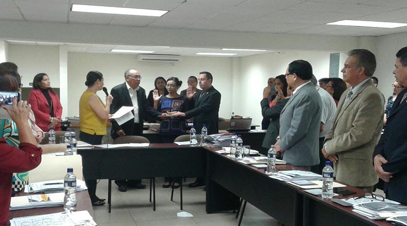 Dirección de Educación Superior reta a Marlon Escoto para que presente las pruebas de la supuesta extorsión