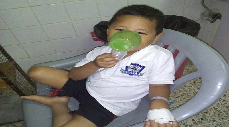 """Con """"modernos"""" vasos nebulizan niños en hospital de Choluteca"""