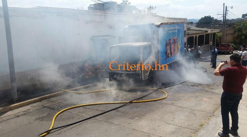 En Comyagüela queman otro vehículo de La Sula