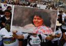Hija de Berta Cáceres demanda al Banco Holandés de Desarrollo