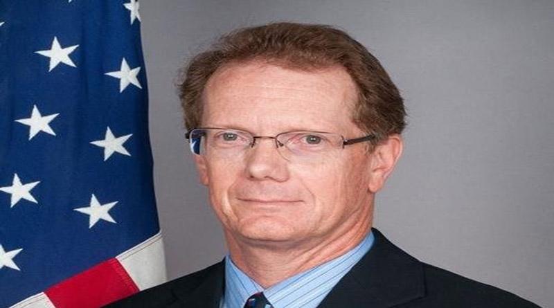 Para detener las caravanas migratorias, debemos mantener la ayuda de los EE. UU. a Honduras: James Nealon