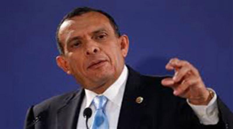 """""""Los políticos decimos tonteras"""": """"Pepe"""" Lobo se retracta sobre lo que dijo del IHSS"""