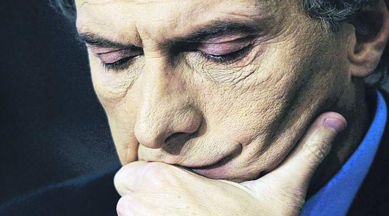 Denuncian  por traición a la patria a presidente argentino