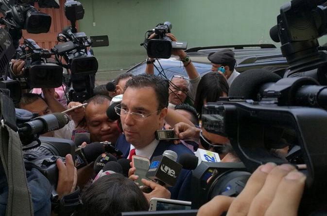 Entrevista a Luis Zelaya