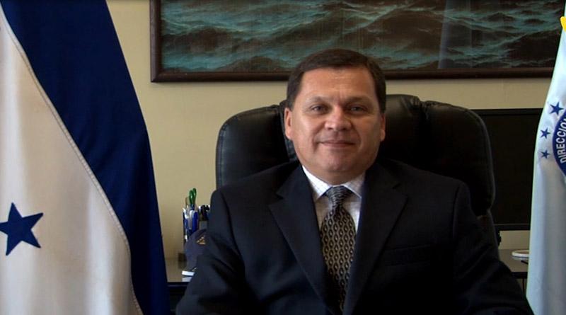 Roberto Cardona, Marina Mercante