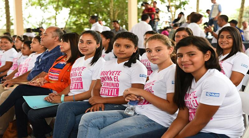 Congreso hondureño eleva a 18 años la edad mínima para contraer matrimonio
