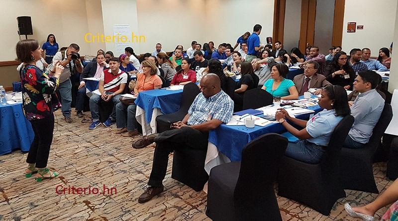 IHCIETI desarrolla taller para periodistas emprendedores que quieran formar su propia empresa
