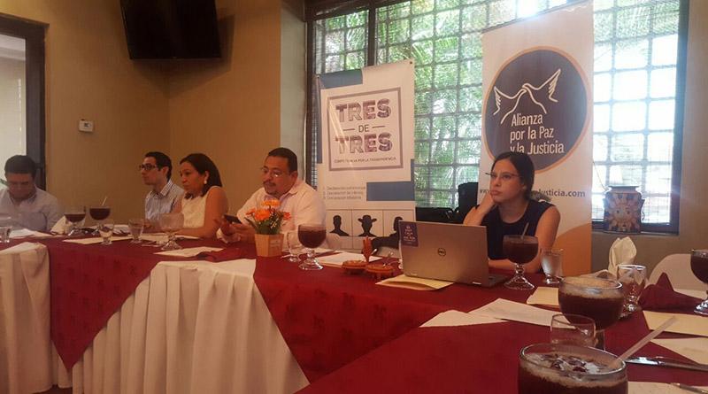 Plataforma web, Omar Rivera