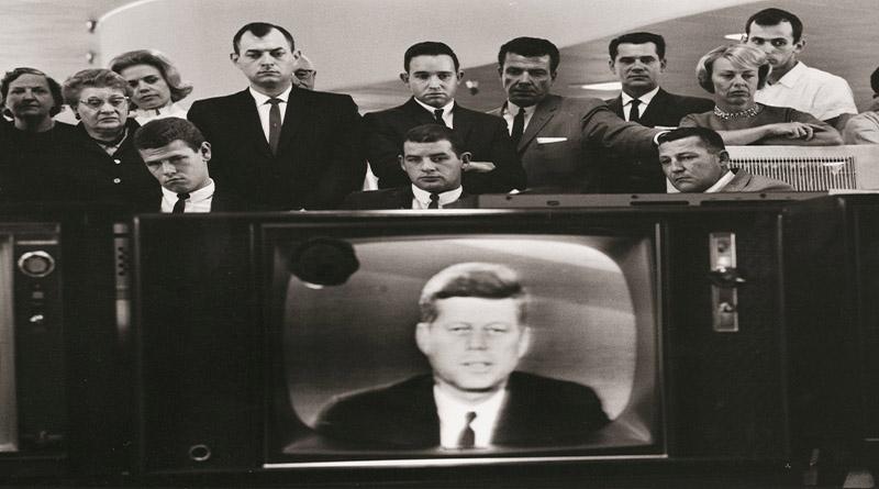 Exposición fotográfica del presidente John F. Kennedy en la casa de la cultura museo El Progreso