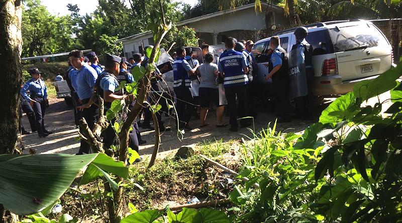 Policía resguarda paso de maquinaria de Hidrocep en Pajuiles y desaloja pobladores