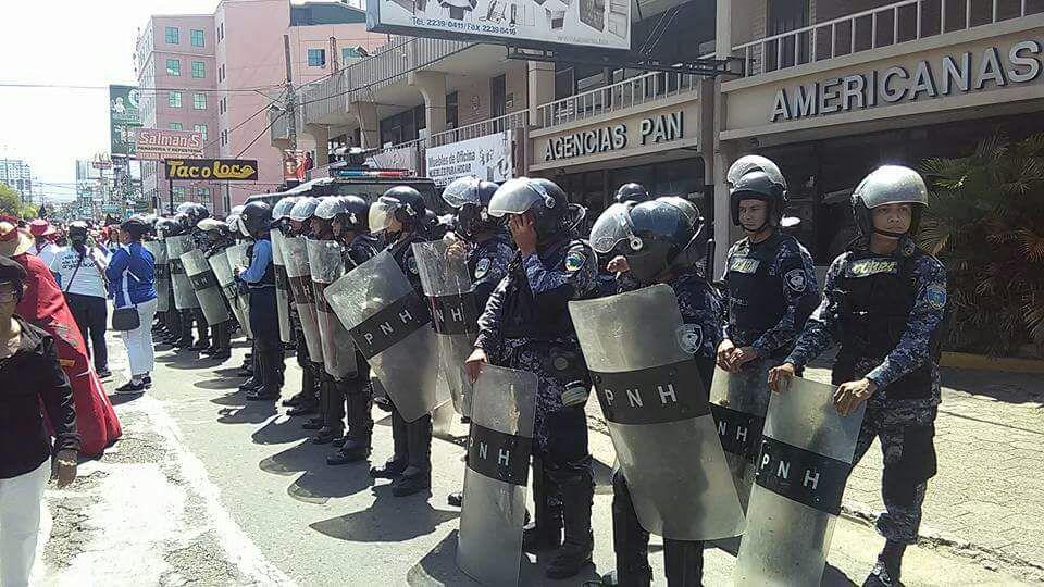 policía hondureña