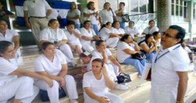 Enfermeras de Honduras festejan su día desprotegidas por el gobierno