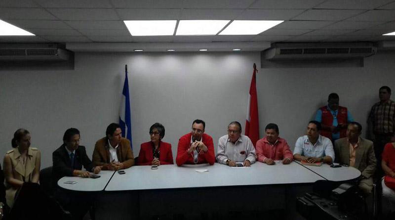 Liberales denuncian que turba nacionalista intentó agredir a Luis Zelaya