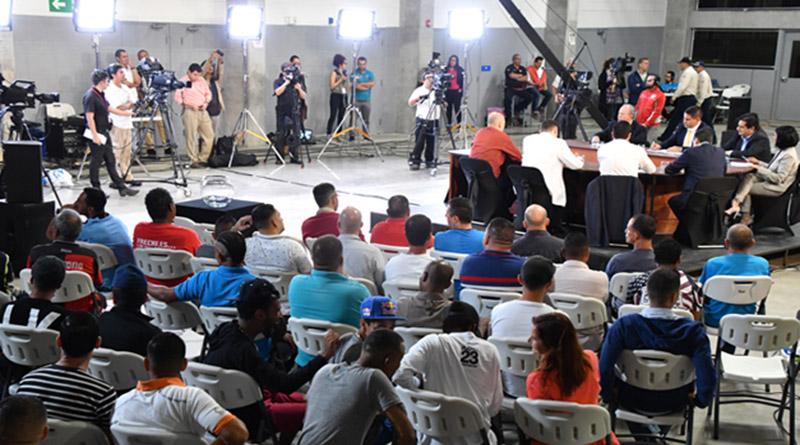 En Costa Rica hay debates presidenciales en las cárceles y aquí ni a las iglesias llegan algunos