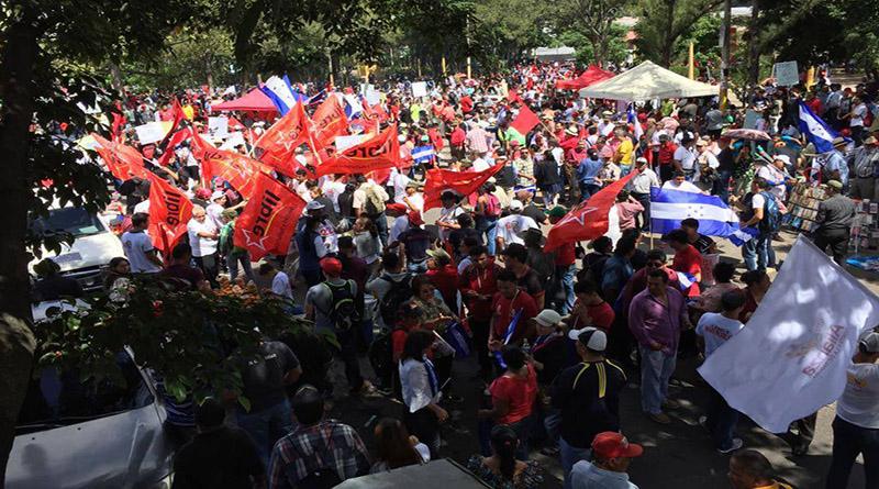 masiva movilización contra la reelección