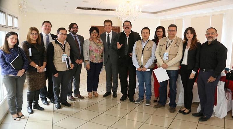 Alianza de Oposición entrega más de 14 mil actas a observadores de la OEA y UE como prueba del fraude electoral