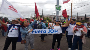 campaña pidiendo renuncia de JOH