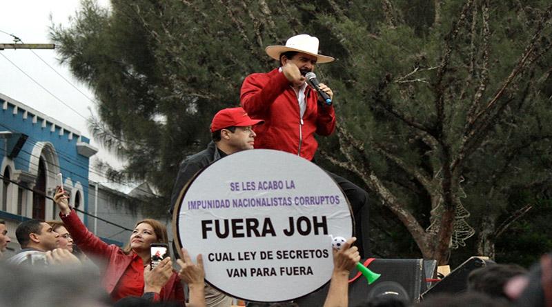 Mel Zelaya llama a las Fuerzas Armadas a reivindicarse con la patria y con su pueblo (Vídeo)