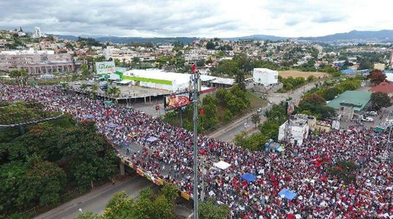 """""""JOH te metiste con la generación equivocada"""": jóvenes en movilización en Tegucigalpa"""