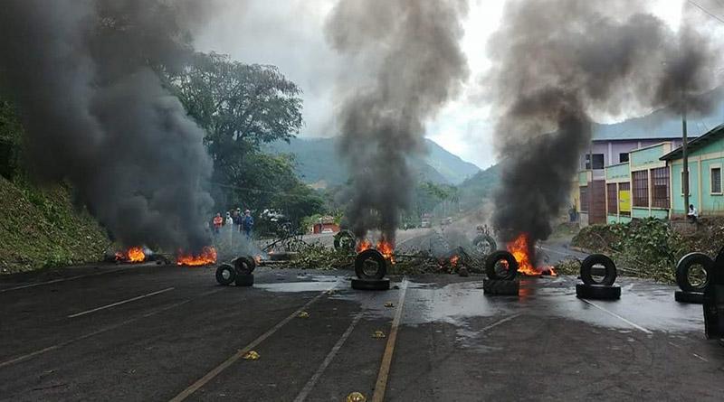 Pueblo hondureño sigue en manifestaciones y toma de carreteras por fraude electoral
