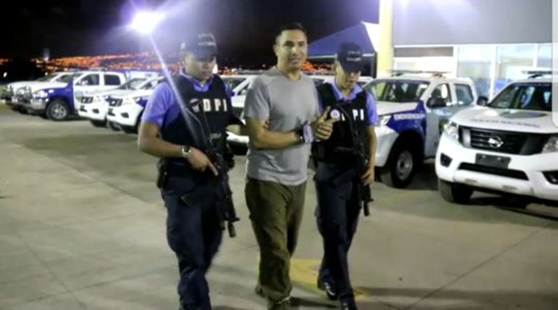 """""""Fuera JOH, vas para afuera delincuente»: Edwin Róbelo Espinal"""