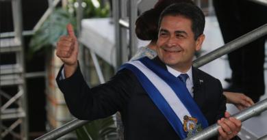Ciudadanía no debe descartar que Juan Hernández busque quedarse en el poder