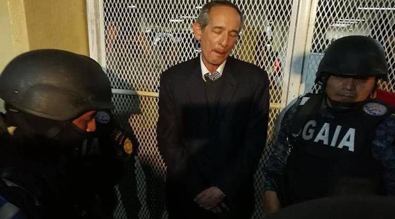 Capturan en Guatemala a expresidente Álvaro Colom y varios exministros