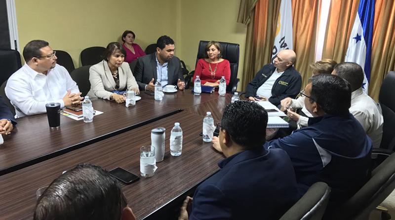 Organizaciones afines al gobierno piden a Óscar Chinchilla se quede un periodo más