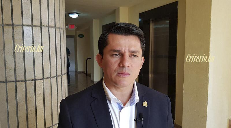 A los que le roban al pueblo hondureño hay que quitarles todos sus bienes