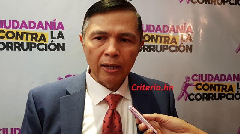 Mauricio Díaz Burdett, director del Fosdeh