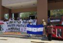 Familiares de presos políticos exigen libertad frente al Ministerio Público (vídeos testimonios)