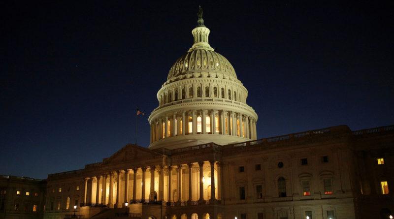 Batalla entre republicanos y demócratas