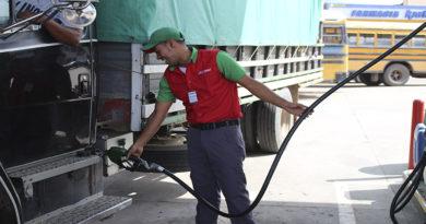 Galón de gasolinas aumentará casi L. 2.00 este lunes