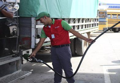 Más de un lempira aumentará el galón de las gasolinas a partir del lunes