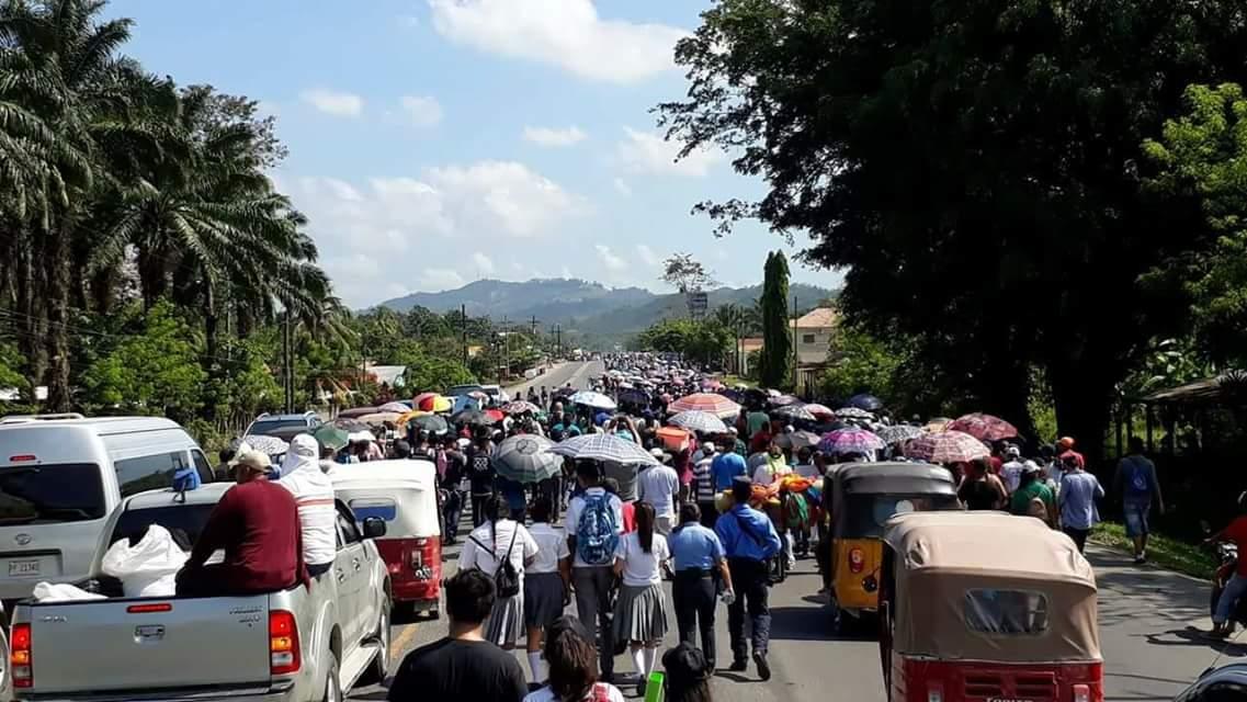 Pobladores de Pajuiles y Guaymas paralizan carretera CA-13