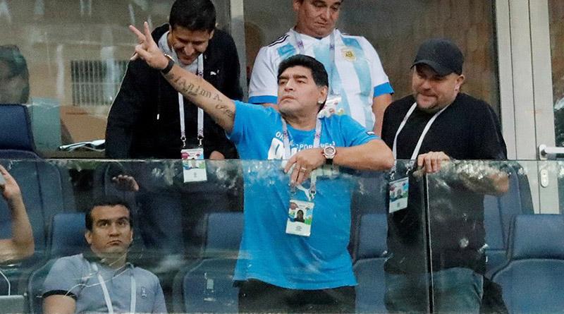 Maradona ofrece casi 11 mil dólares de recompensa para descubrir quién lo dio por muerto